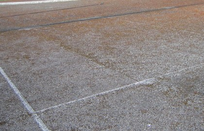 Anti mousse court de tennis for Surface terrain de tennis
